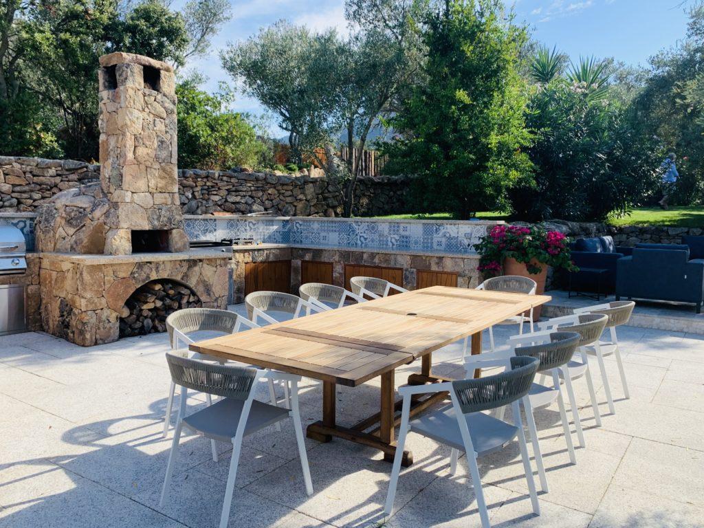 Casa-Gallo-Outdoor-Kitchen-_-Dining-1024x768